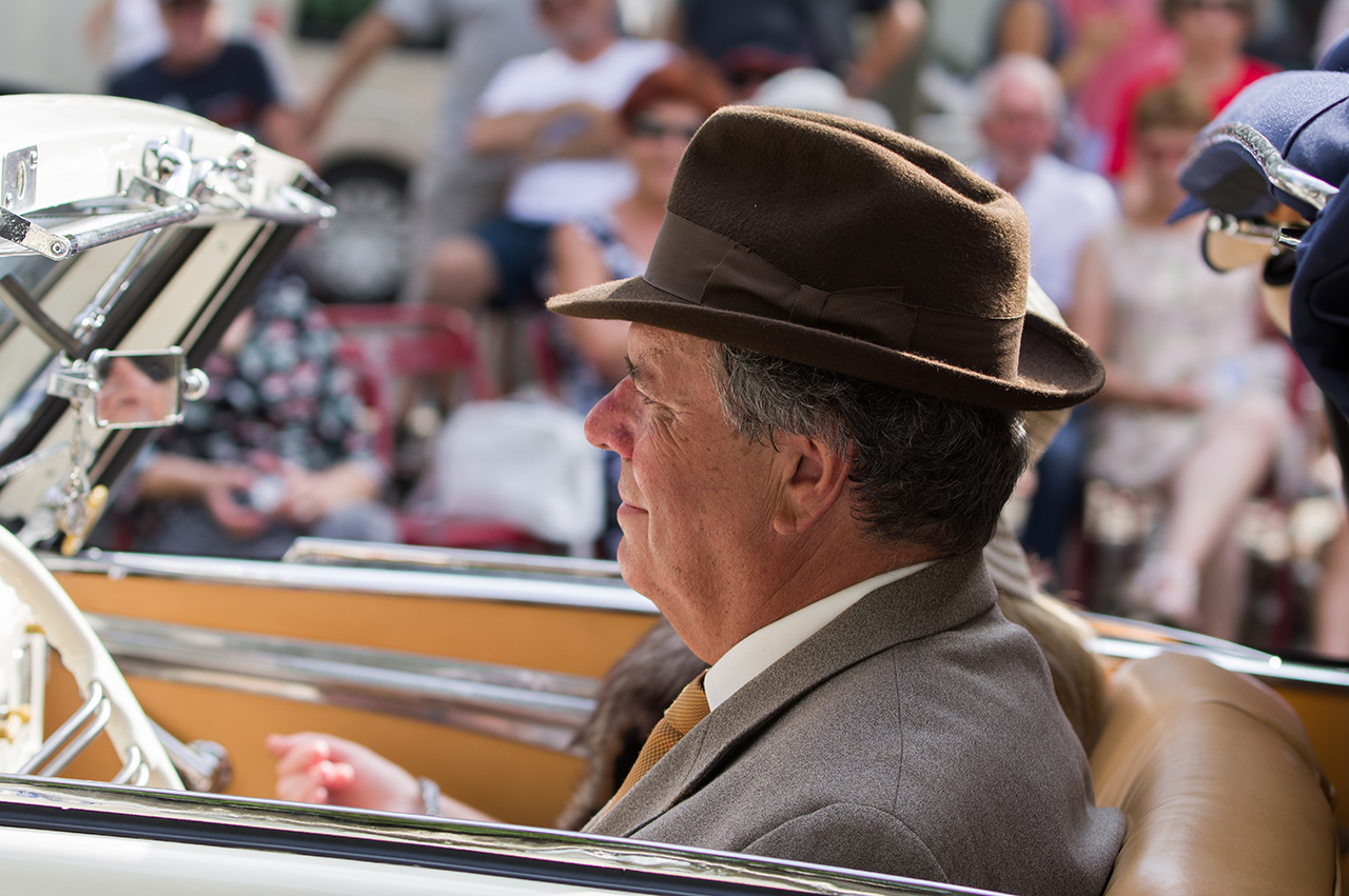 Concours d'élégance de voitures anciennes. 170904024846174836