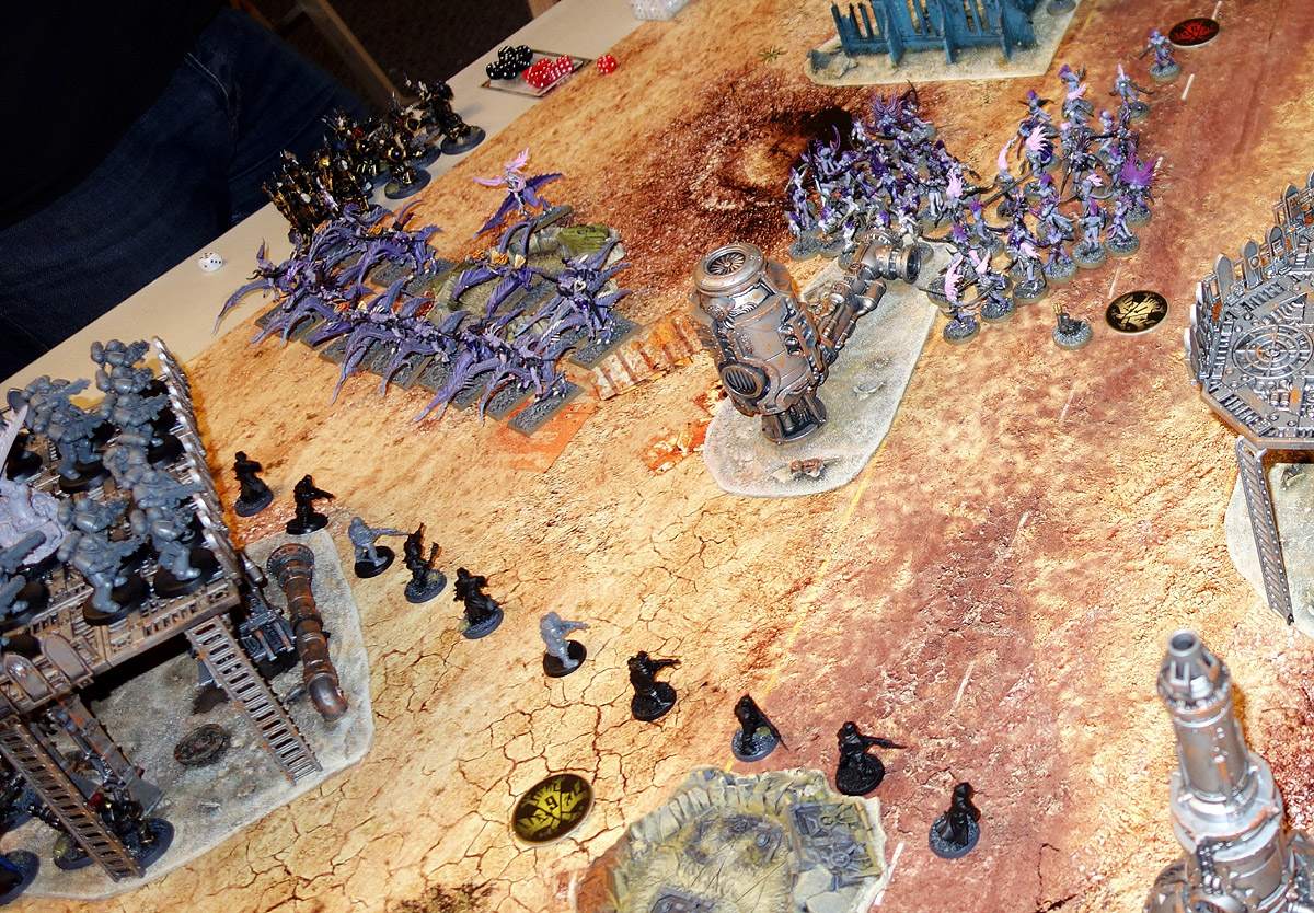 [40K] Daemons + Ynnari Vs. Ultramarines + SMC 170910012538148616