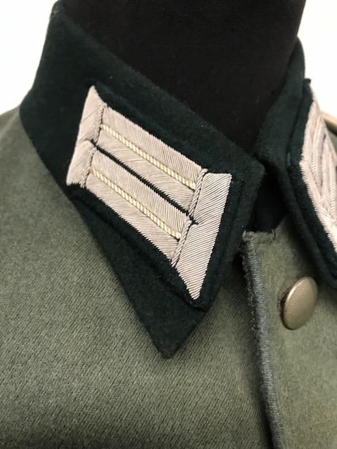 Authentification de deux vestes d'officiers de la Heer 170912074845460325