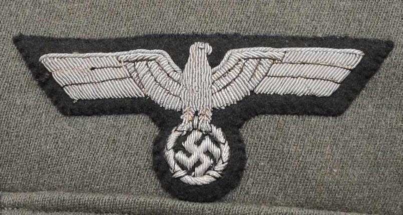 Authentification de deux vestes d'officiers de la Heer 170912082526640657