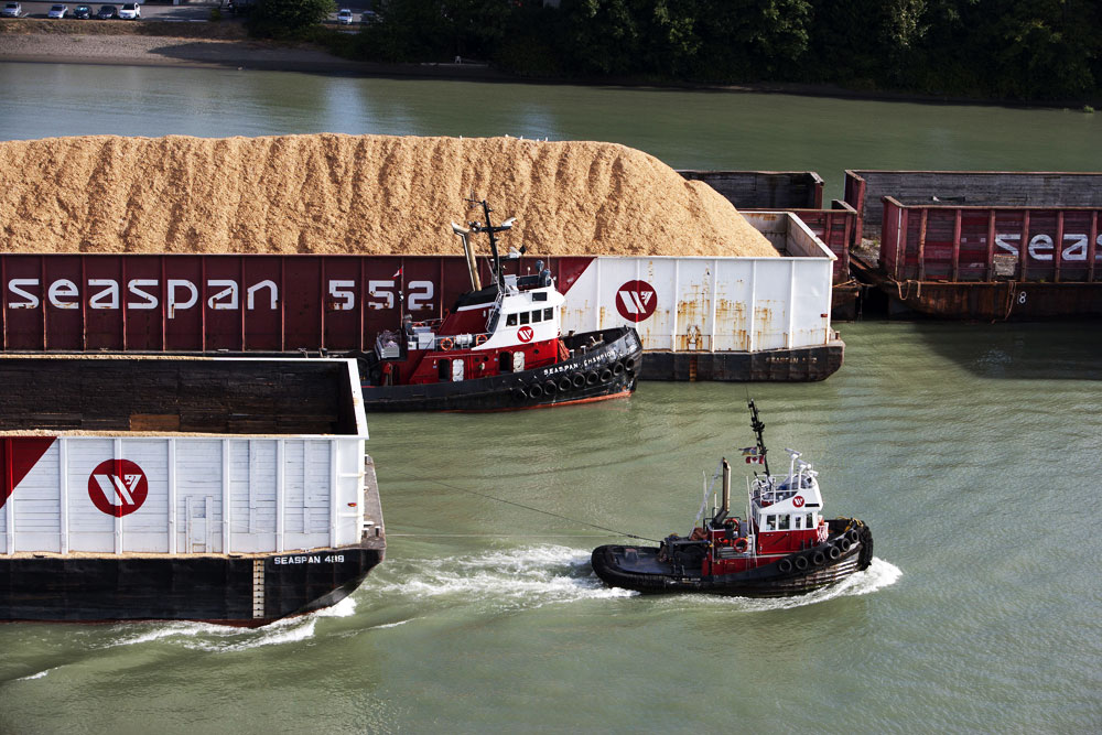 Petit pushboat motorflote par Wadone 170914073457915485