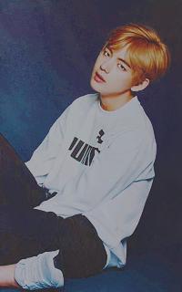 Kim Tae-Hyung (V). Mini_17100104503794387