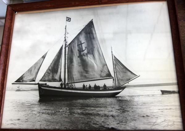 recherche des plans d'un modèle de yacht classique télécommandable inachevé 171012124213506395