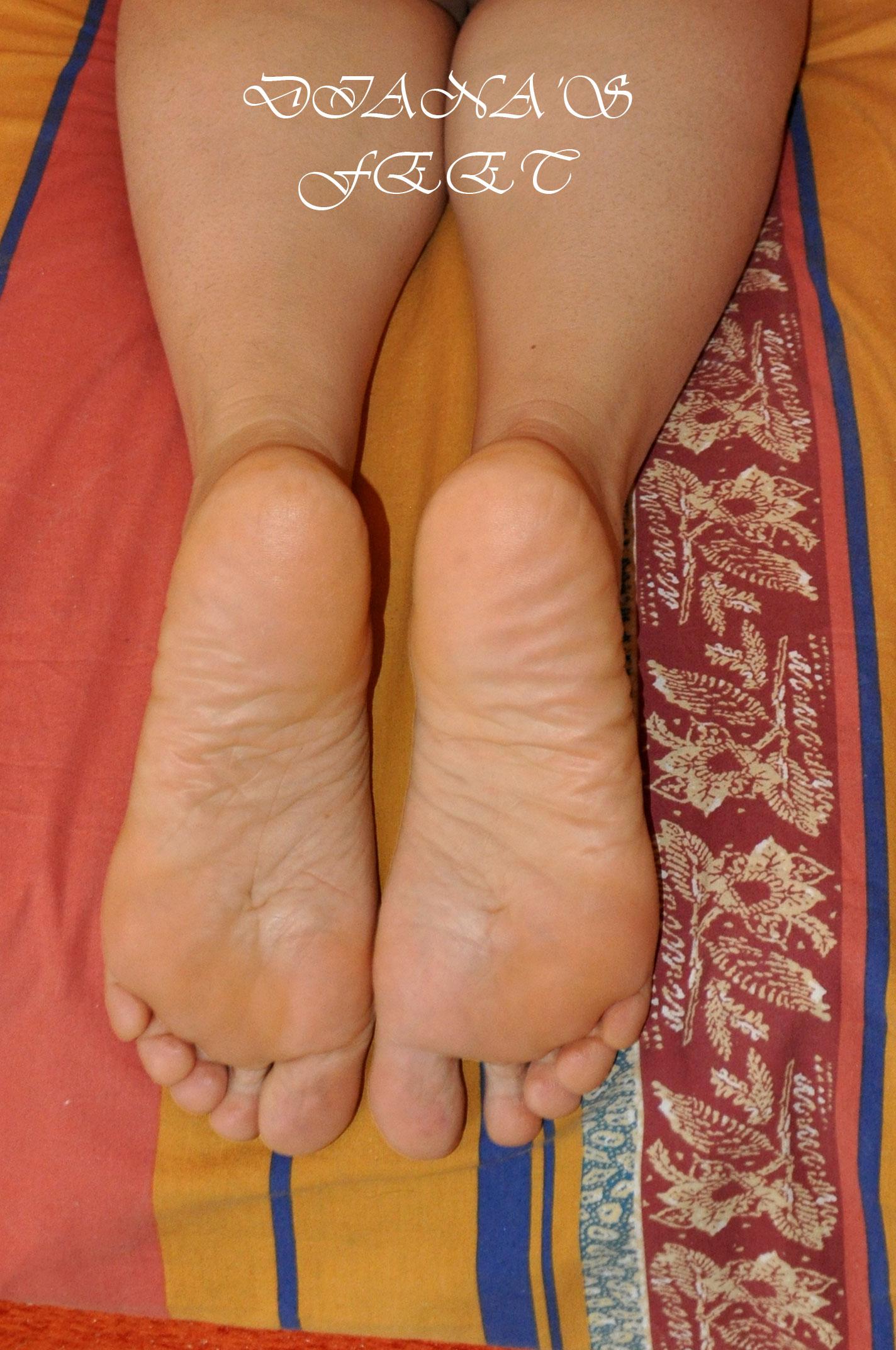 Diana 's feet 171114101801566042