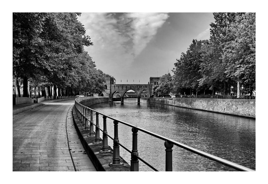 Canal à Tournai ( be ) 171122051208677371