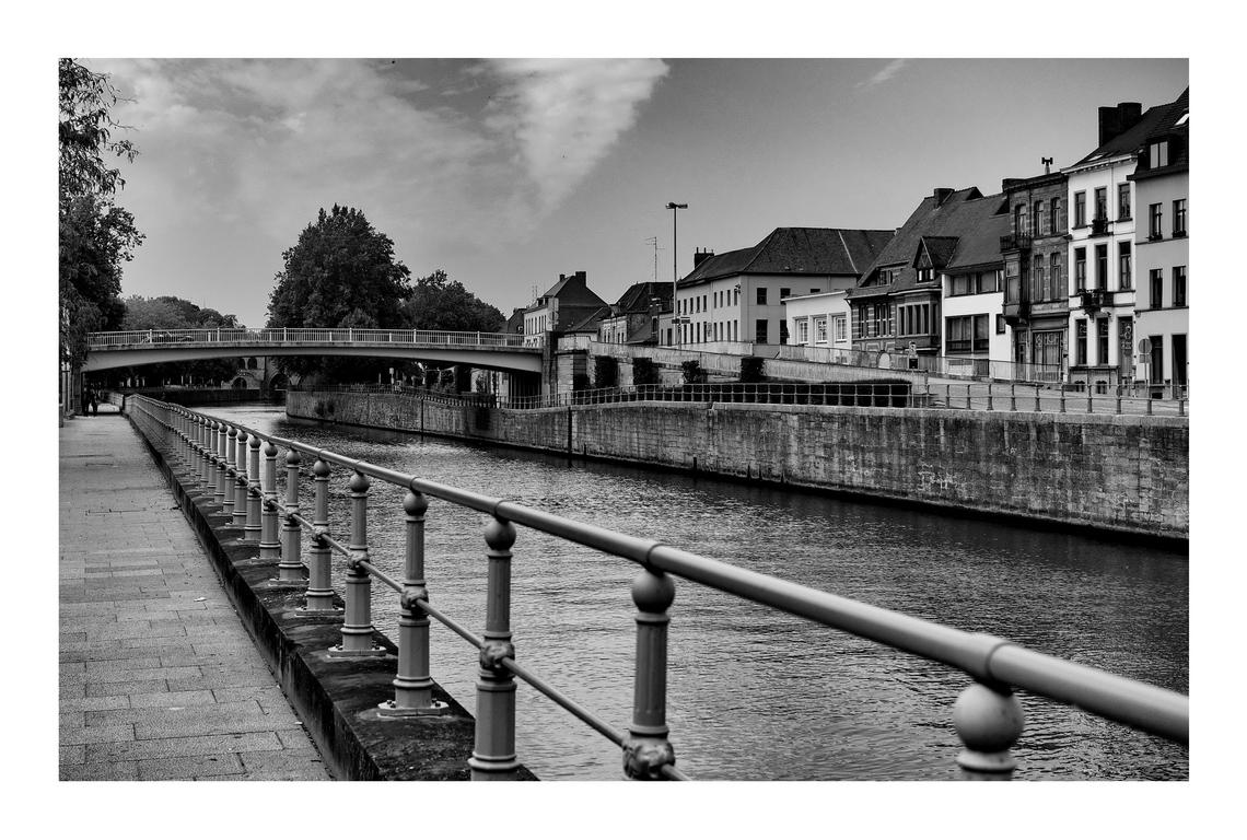 Canal à Tournai ( be ) II 171123062200945292