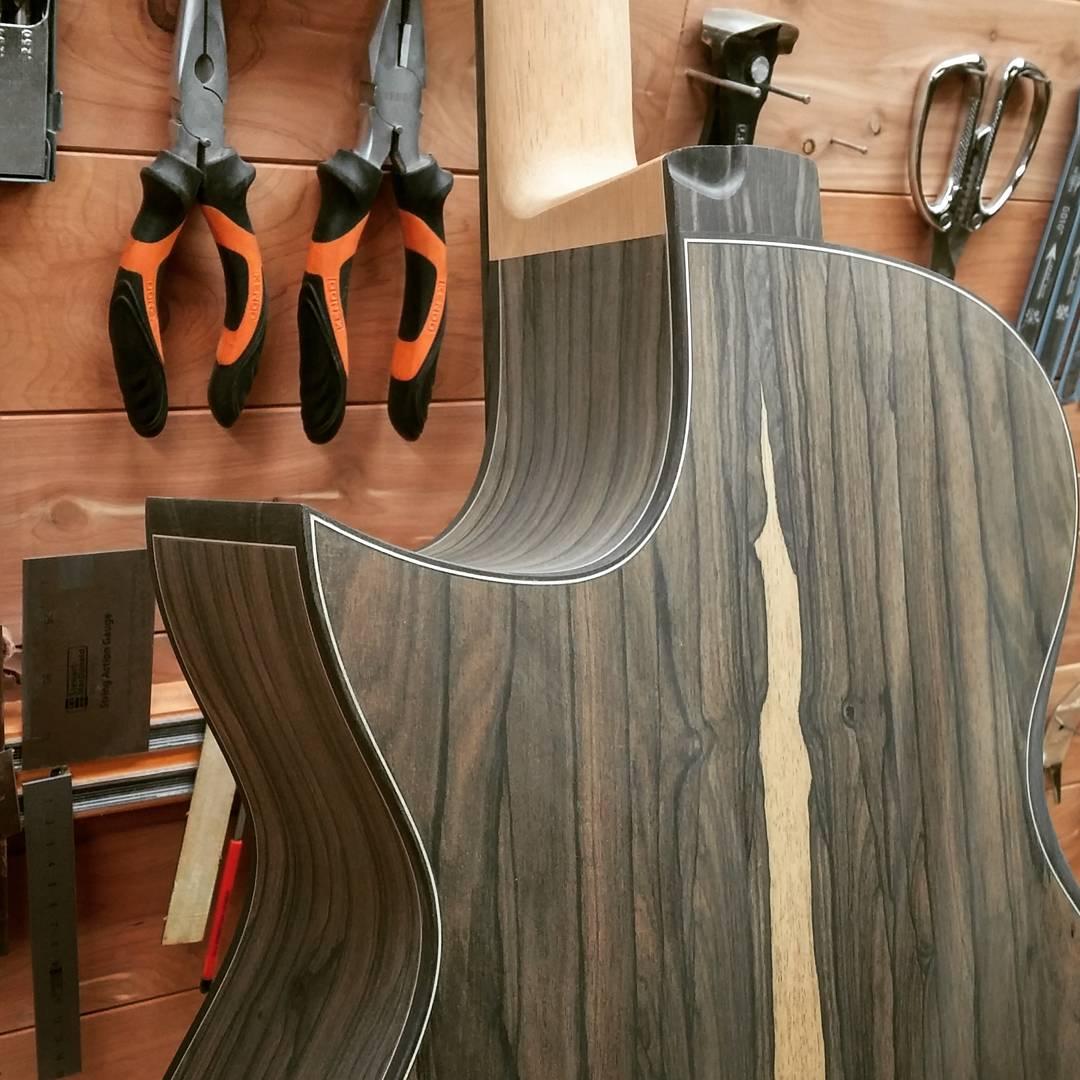 Présentation du luthier Maxime Baron 180107024222103996