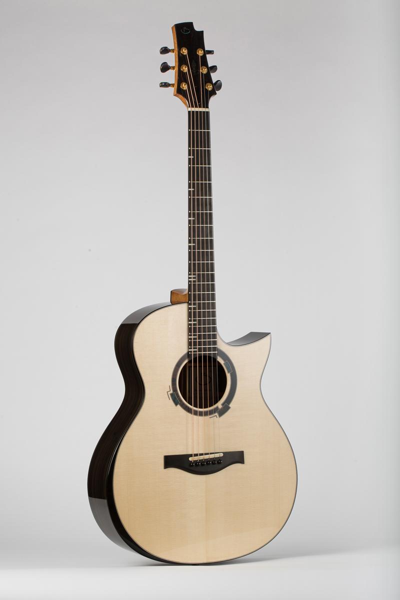Présentation du luthier Maxime Baron 180107024223795710