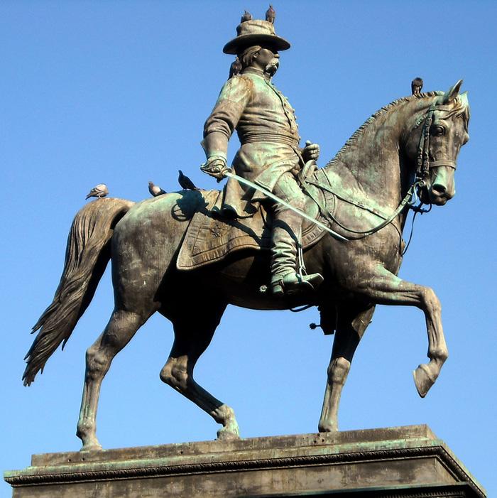 1200px-Closeup_-_John_A._Logan_statue