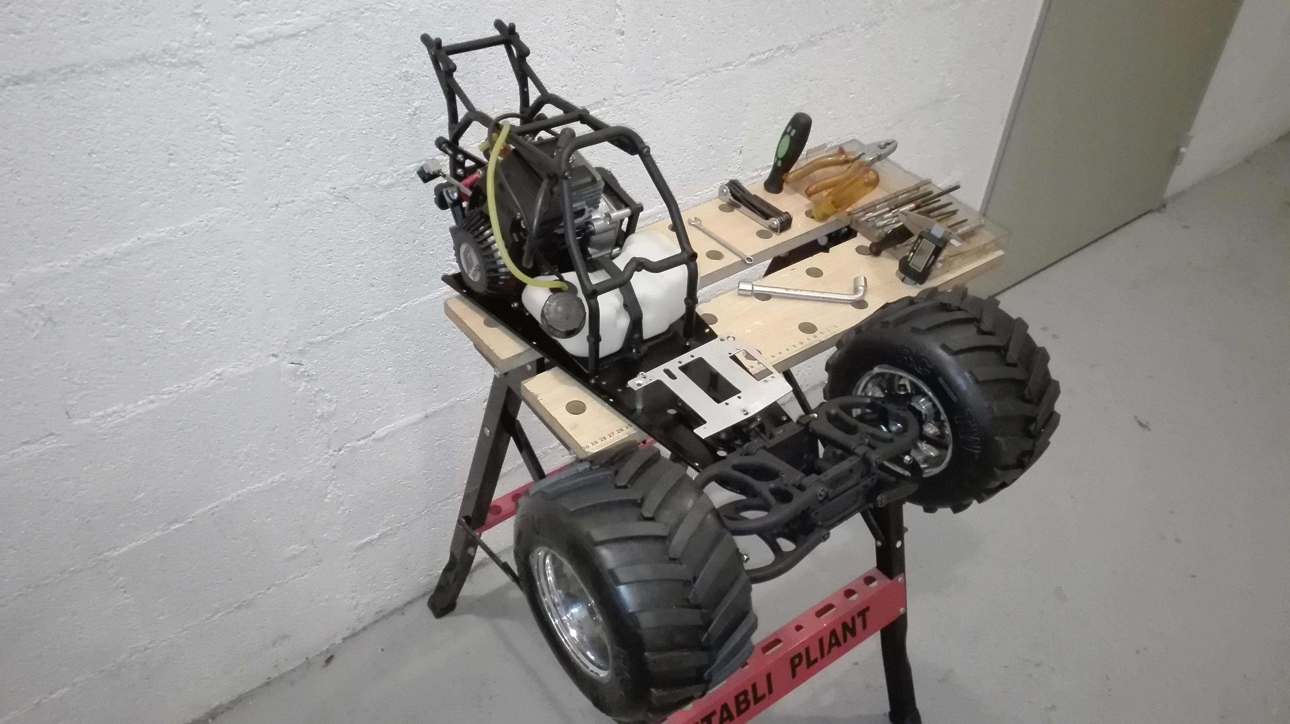 re-montage complet monster truck FG depuis un chassis nu - Page 2 180130104728375544