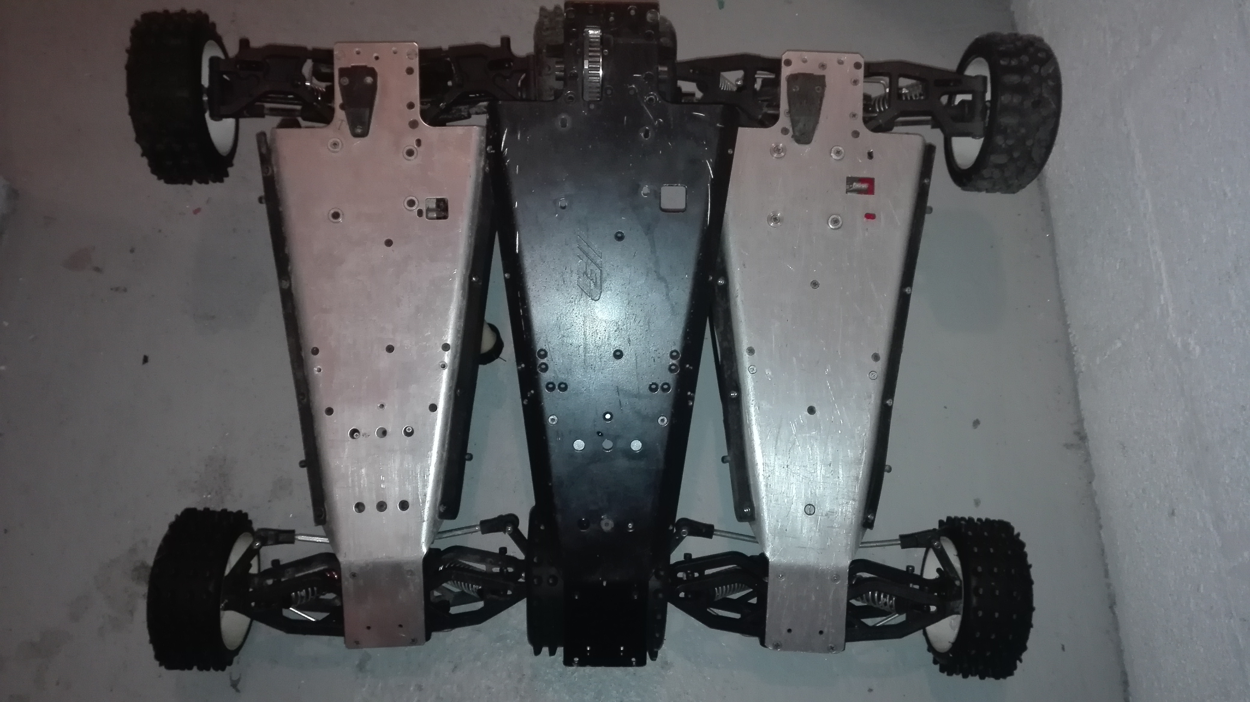 re-montage complet monster truck FG depuis un chassis nu - Page 2 180130105900621637