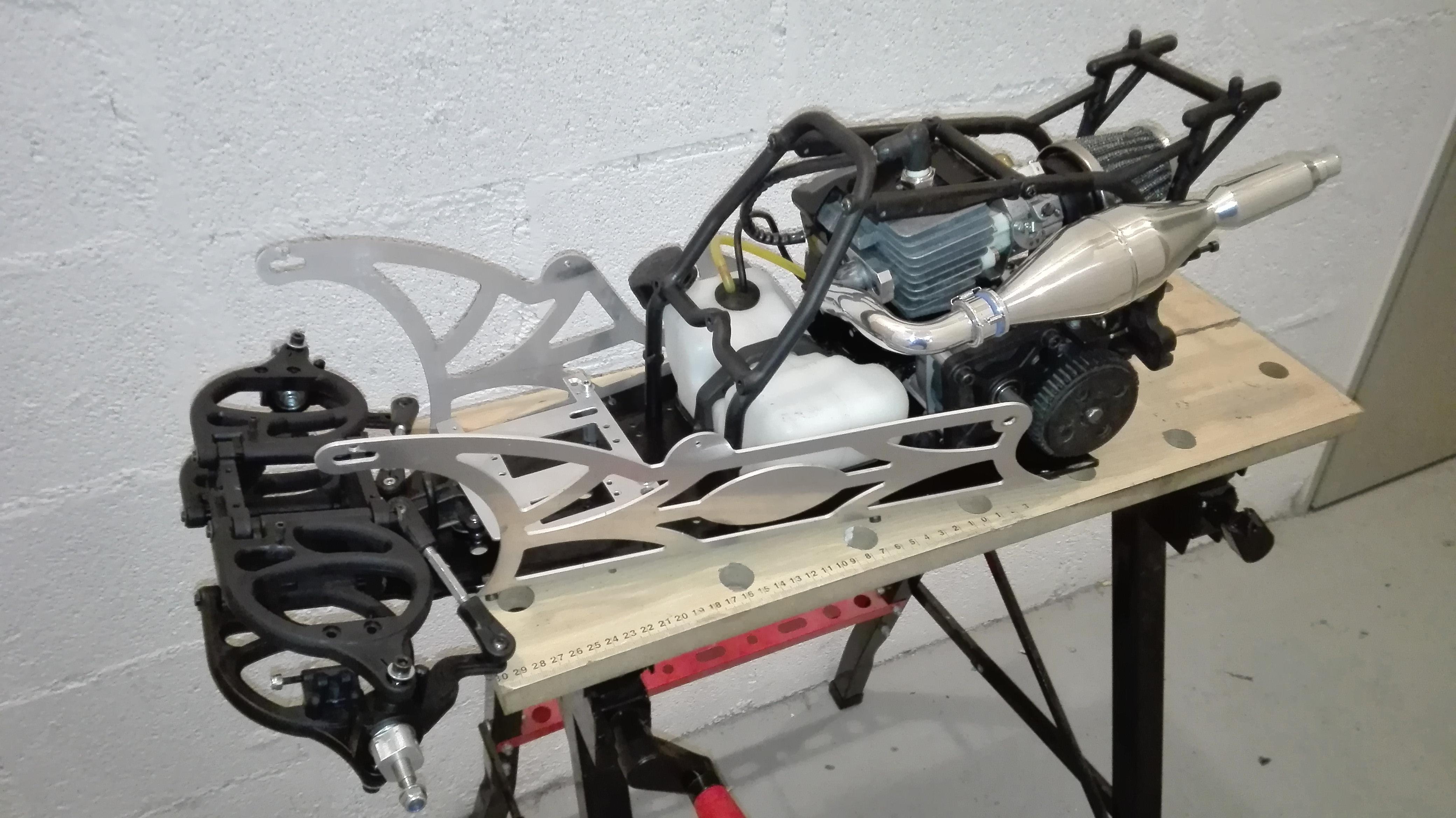 re-montage complet monster truck FG depuis un chassis nu - Page 2 180203080146931439