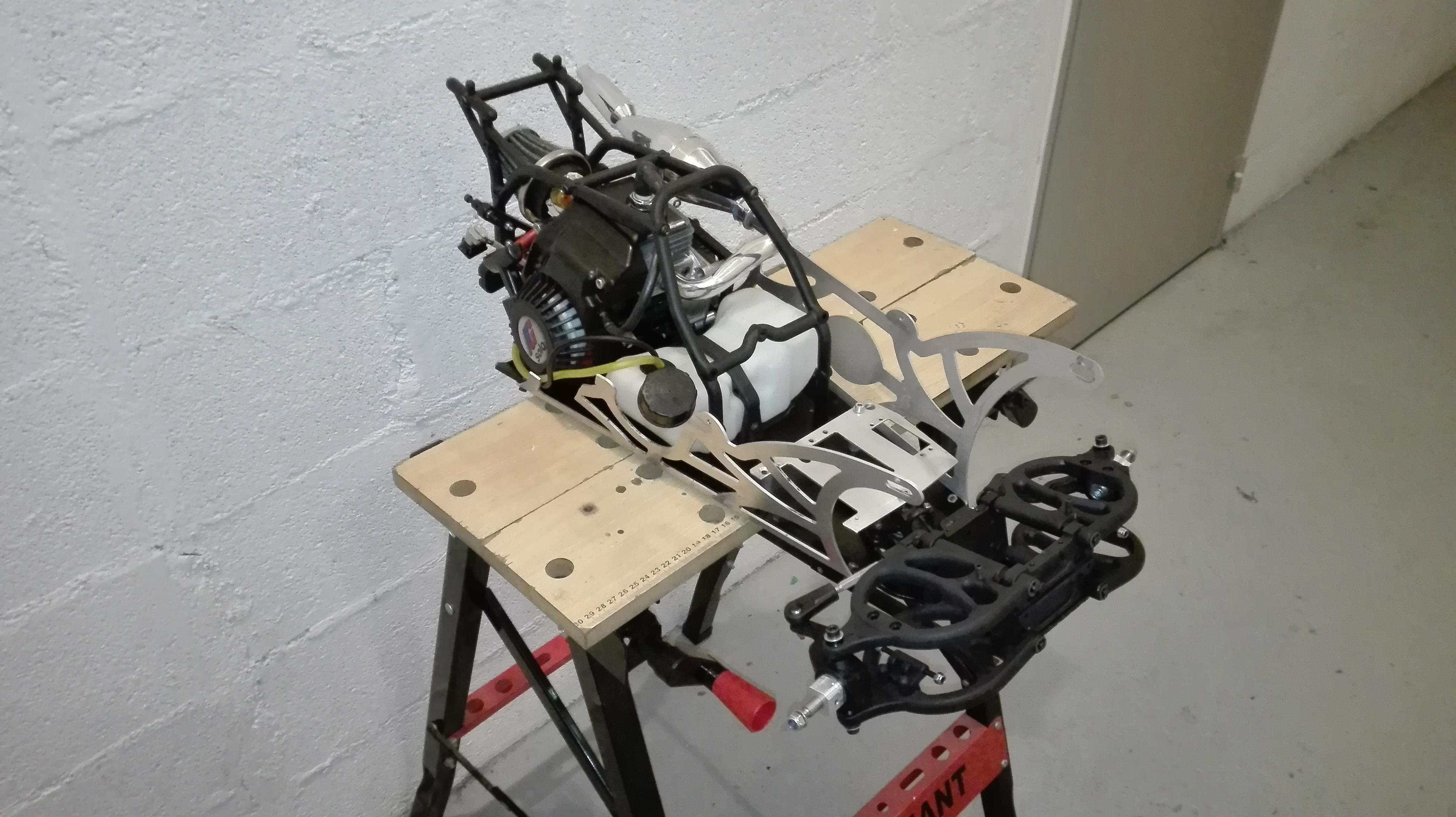 re-montage complet monster truck FG depuis un chassis nu - Page 2 180203080147339944