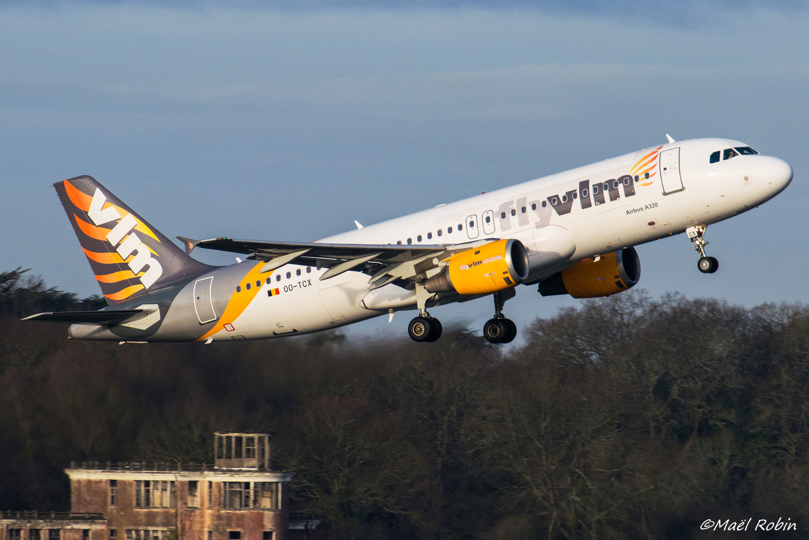 [10/02/2018] A320 OO-TCX VLM Airlines  18021408561096917