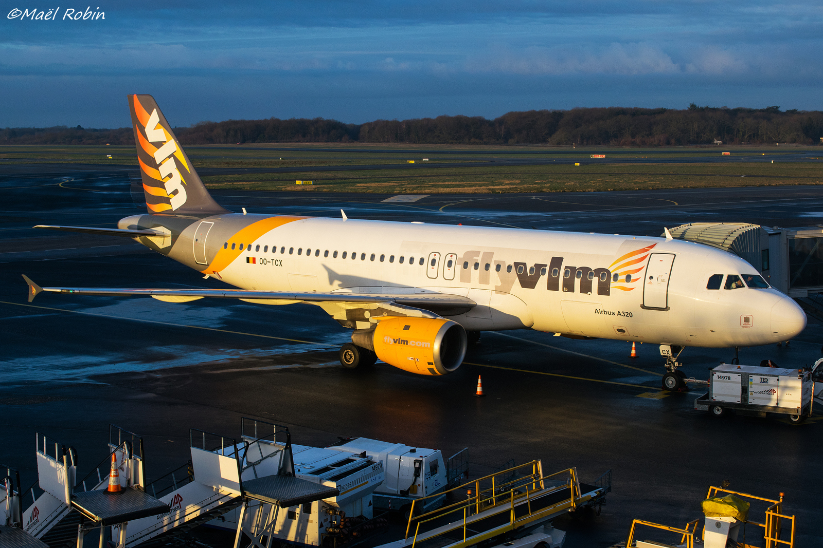 [10/02/2018] A320 OO-TCX VLM Airlines  180214085611746645