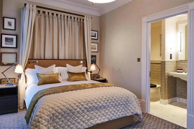 Charles Fitzroy Doll et l'hôtel Russell à Londres 180217030634545525