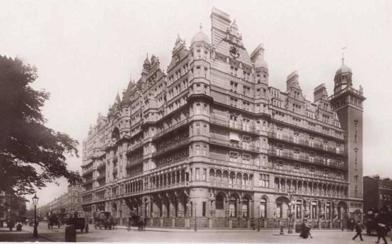 Charles Fitzroy Doll et l'hôtel Russell à Londres 180218090855852702