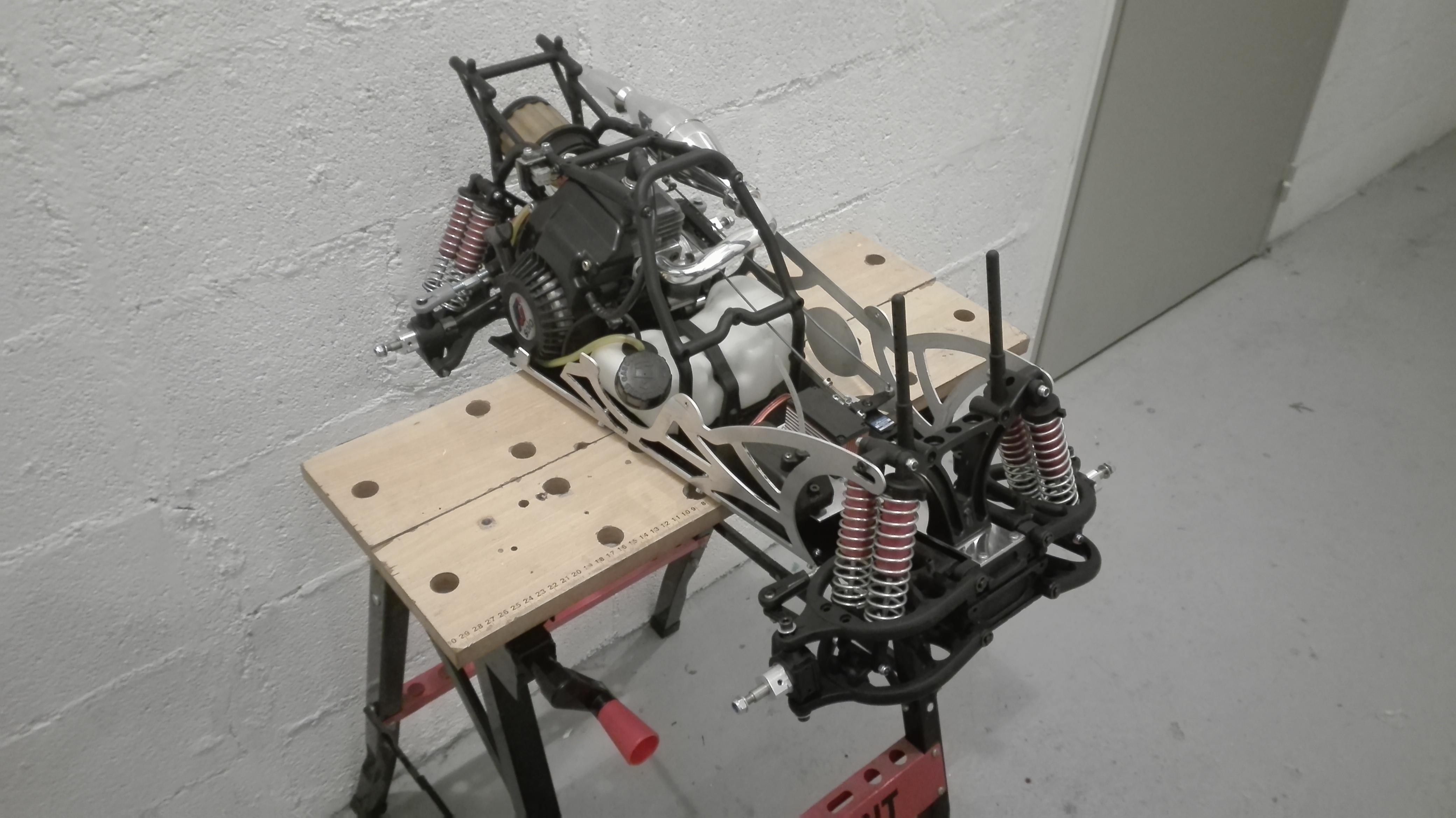 re-montage complet monster truck FG depuis un chassis nu - Page 2 180303061535823262