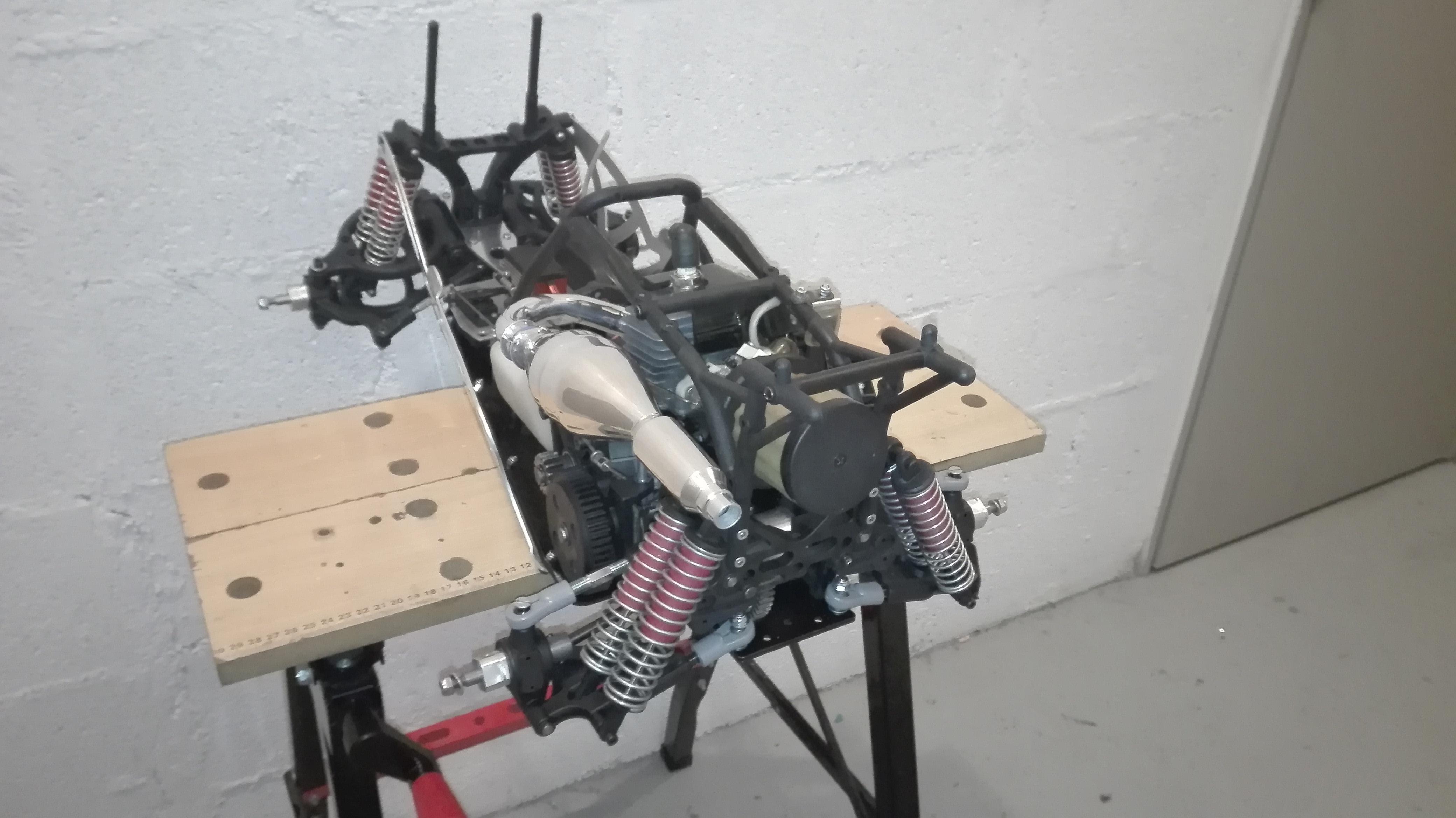 re-montage complet monster truck FG depuis un chassis nu - Page 2 180303061851270050