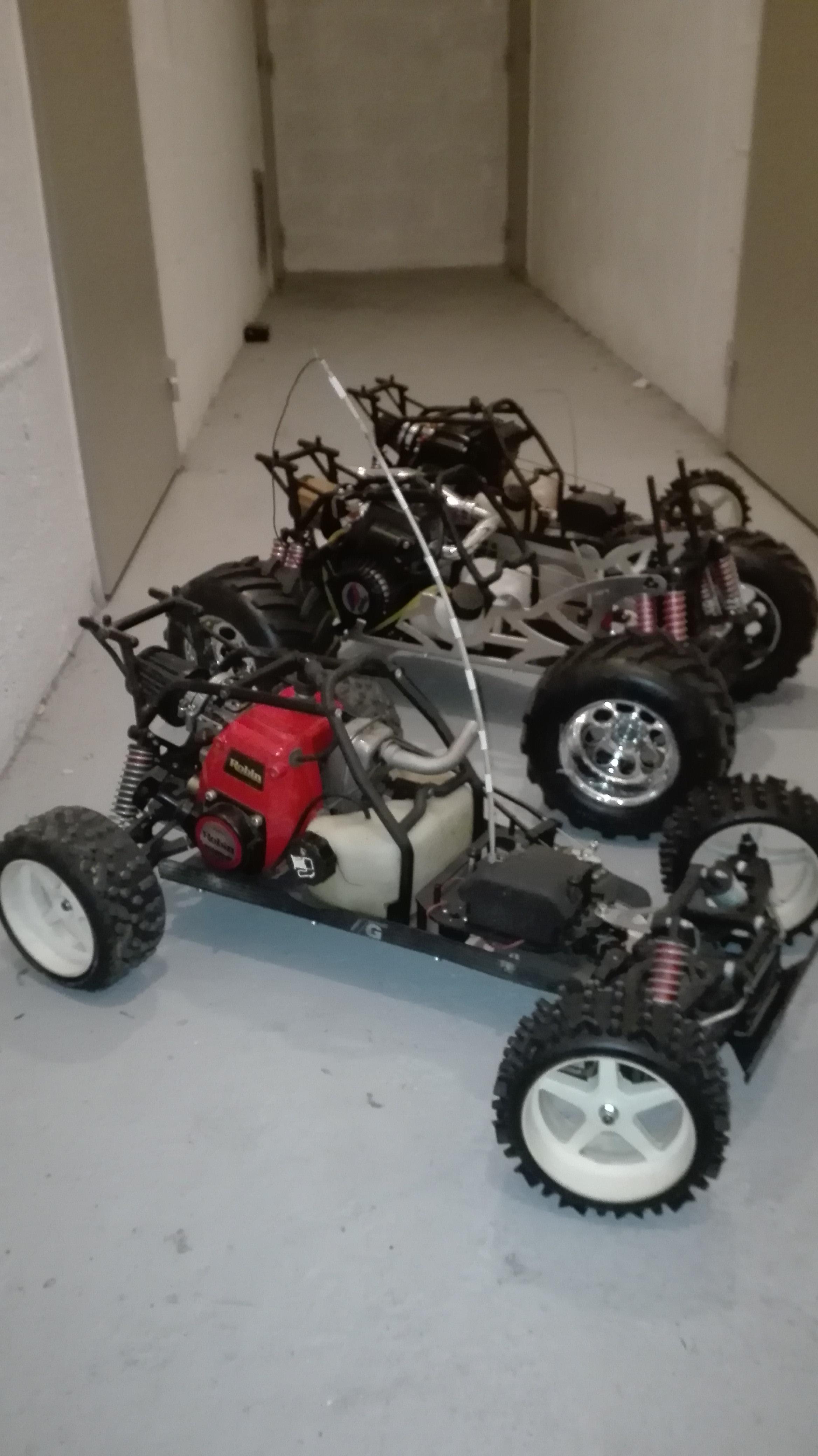 re-montage complet monster truck FG depuis un chassis nu - Page 2 18030306185194884