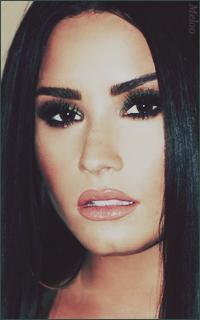 Demi Lovato Mini_180305120853990625