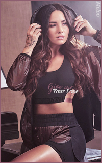 Demi Lovato Mini_180305120900649828