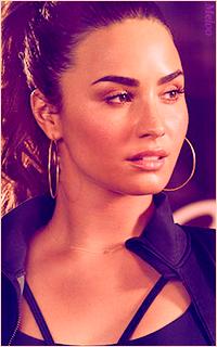 Demi Lovato Mini_180305120902507834