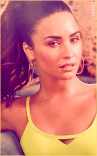 Demi Lovato Mini_180305120903523298