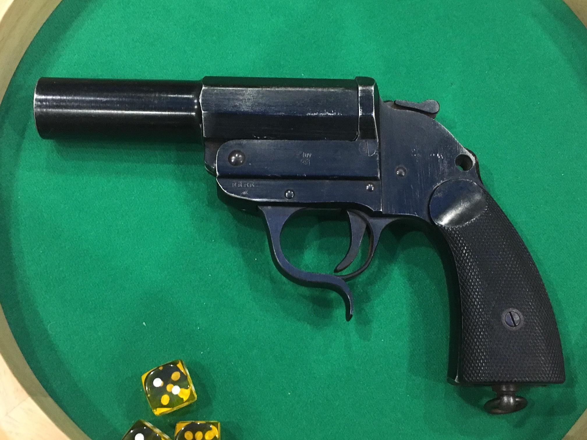Pistolet Lance fusée 180313073047497450