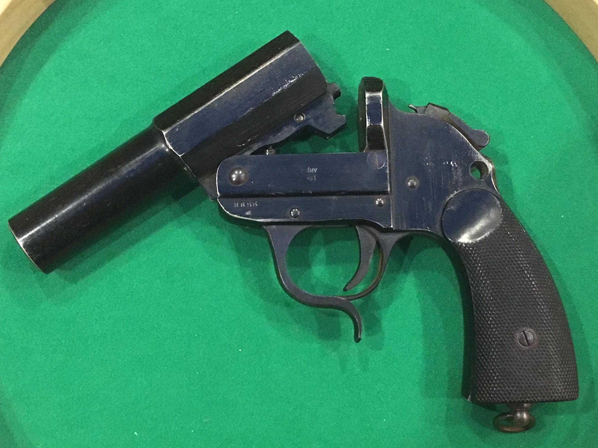 Pistolet Lance fusée 180313073912270942