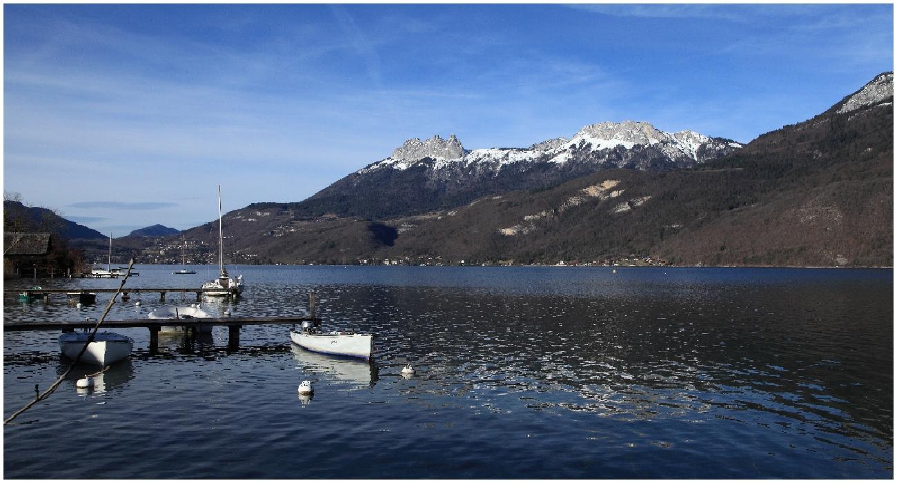 Vue du Lac  180325041049829577