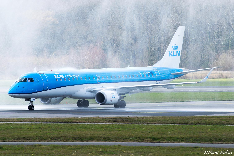 [25/03/2018] ERJ190 (PH-EZM) KLM  180325052920714866