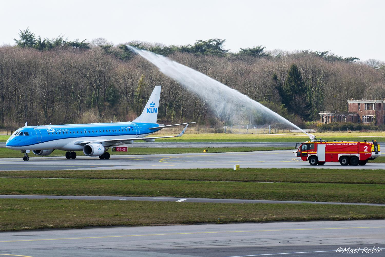 [25/03/2018] ERJ190 (PH-EZM) KLM  180325052939216383