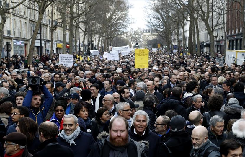 830x532_milliers-personnes-participe-marche-blanche-hommage-mireille-knoll