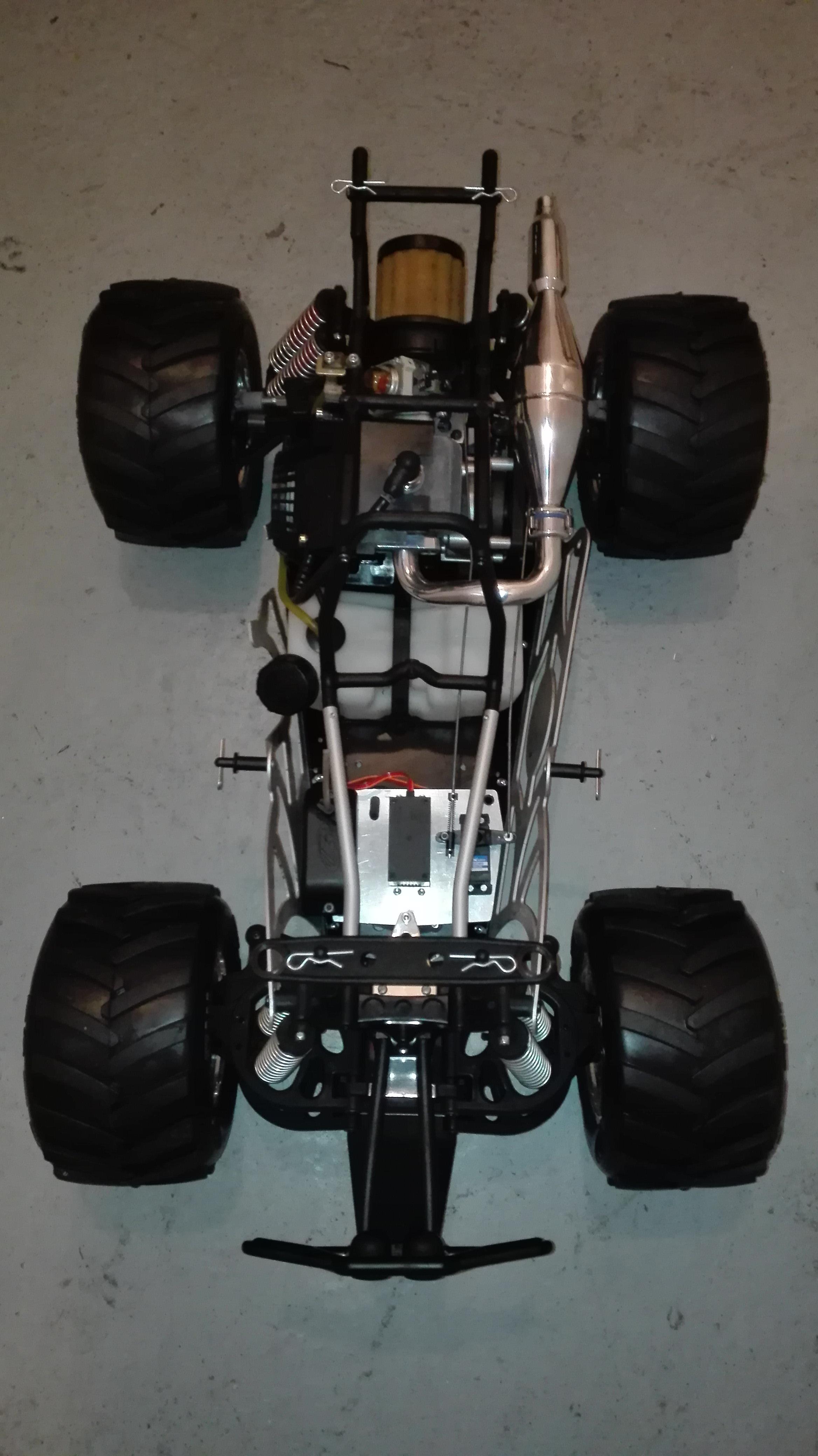re-montage complet monster truck FG depuis un chassis nu - Page 2 180410111811201292