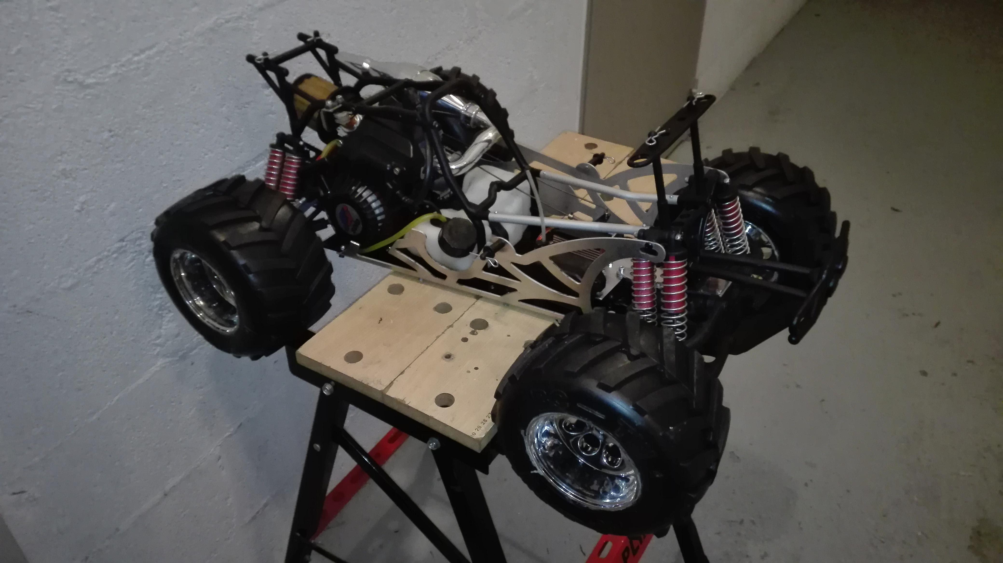 re-montage complet monster truck FG depuis un chassis nu - Page 2 180410111811497930