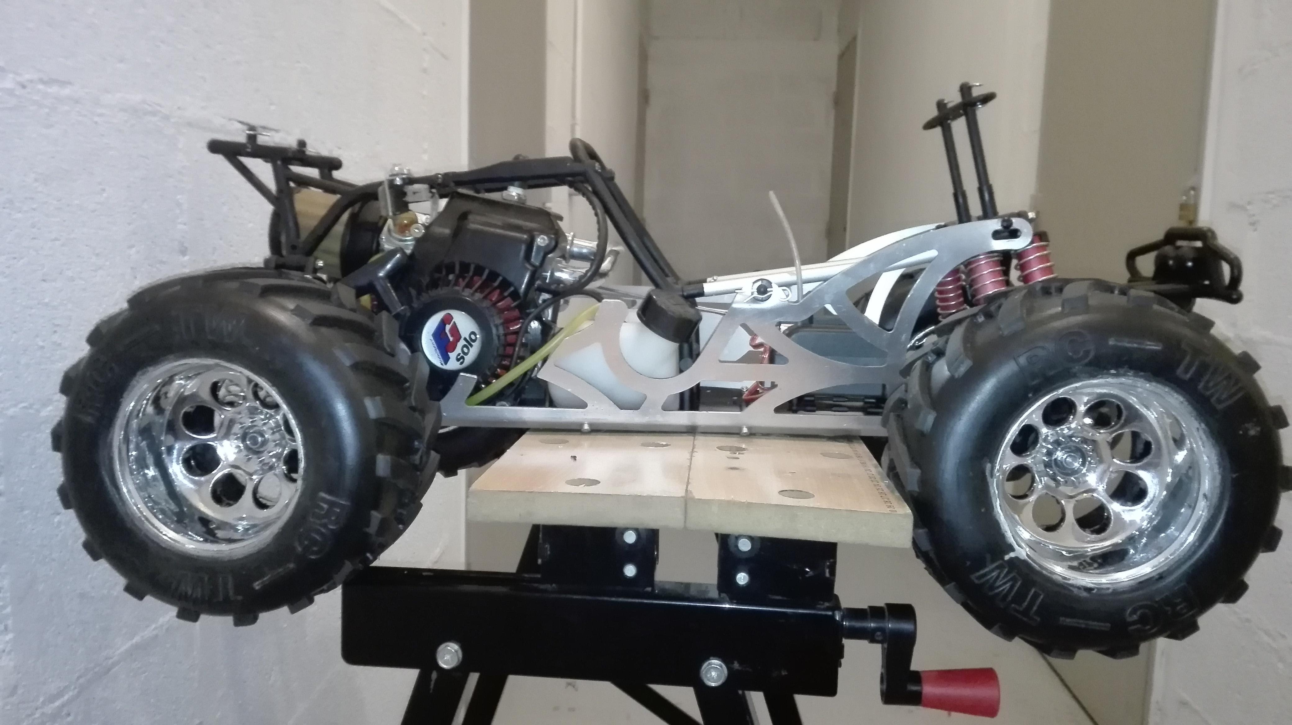 re-montage complet monster truck FG depuis un chassis nu - Page 2 180410111814468608