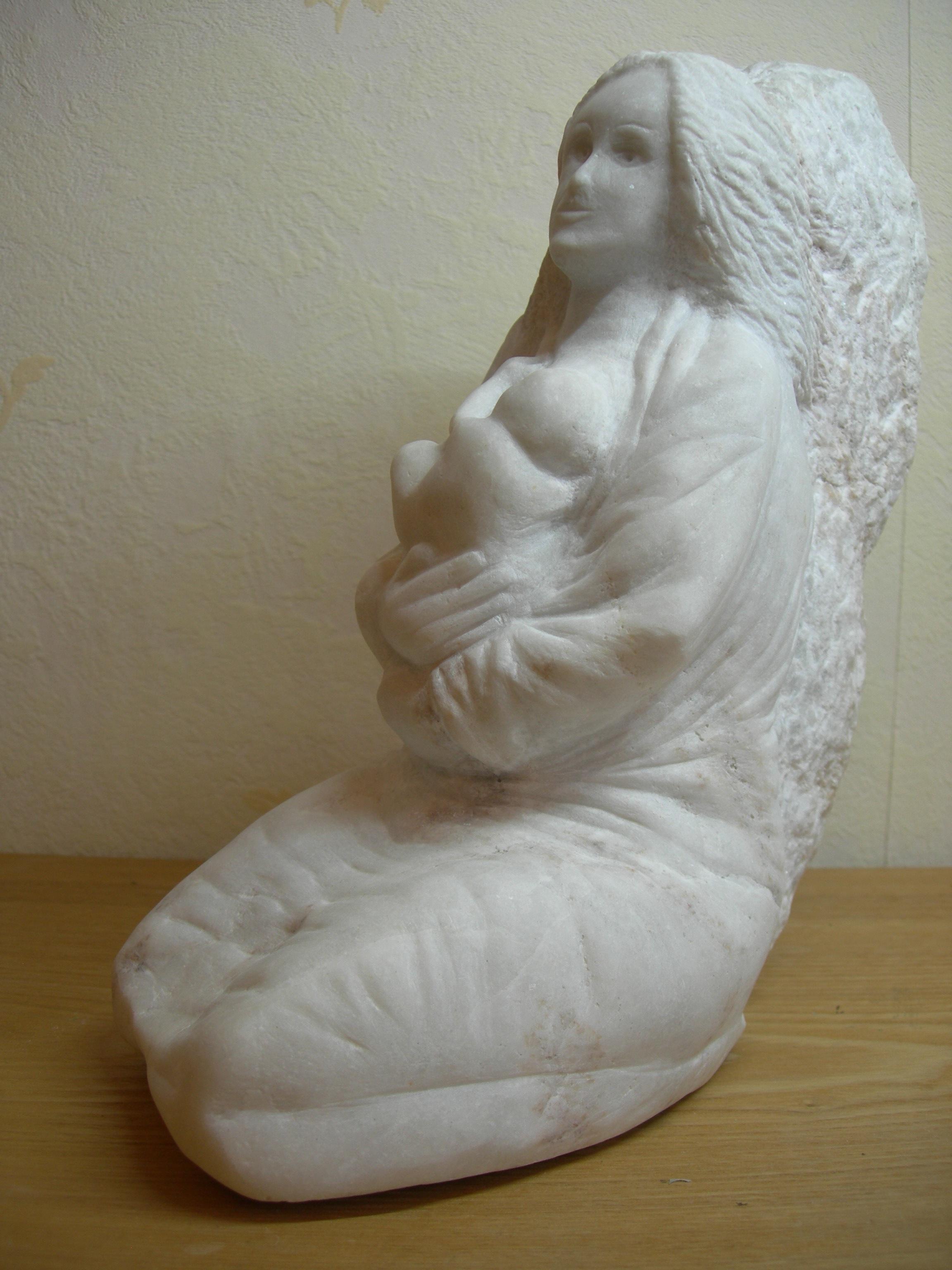 Femme allaitant en cours 18041412393076232