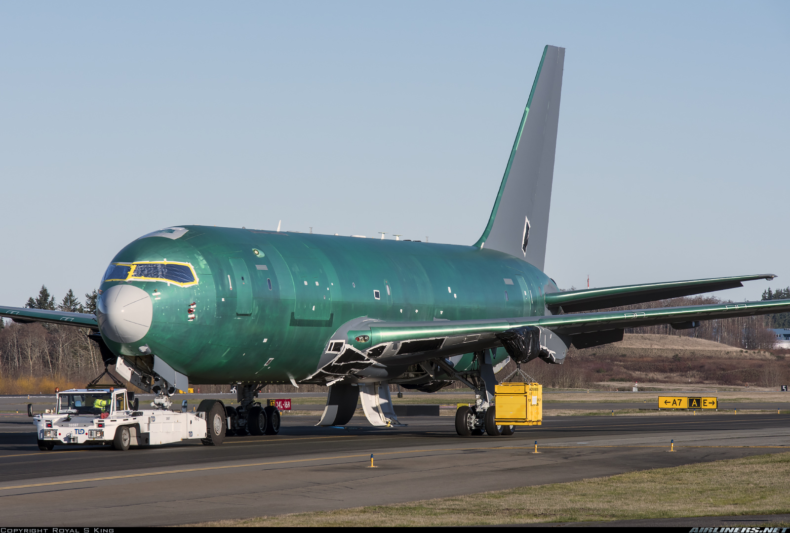 KC-46 - Page 13 180429085105750388