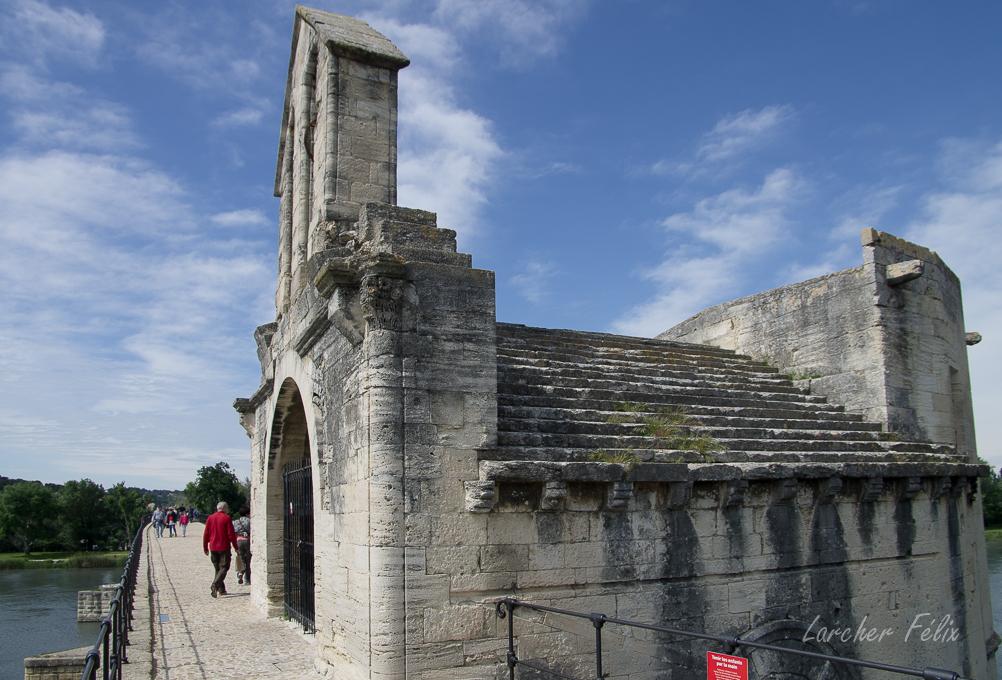 Sur le Pont d'Avignon 180510054102265628