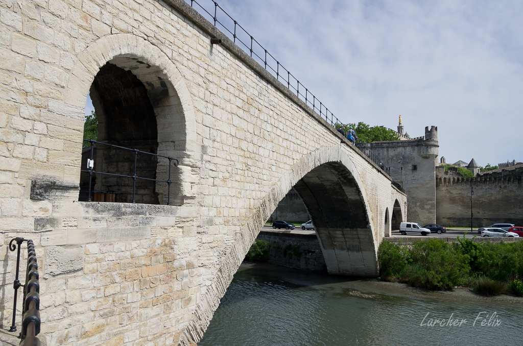Sur le Pont d'Avignon 180510054116964147