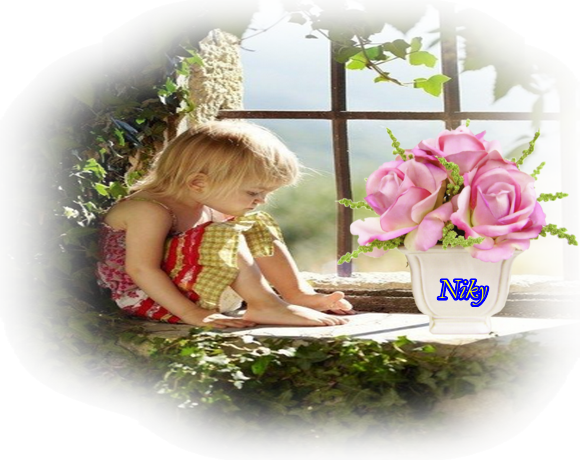 fille fleur vase