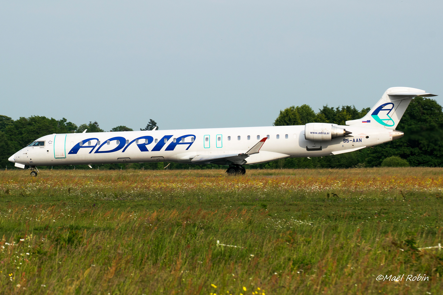 [16/05/2018] CRJ900 (S5-AAN) Adria Airways 180516081716556113