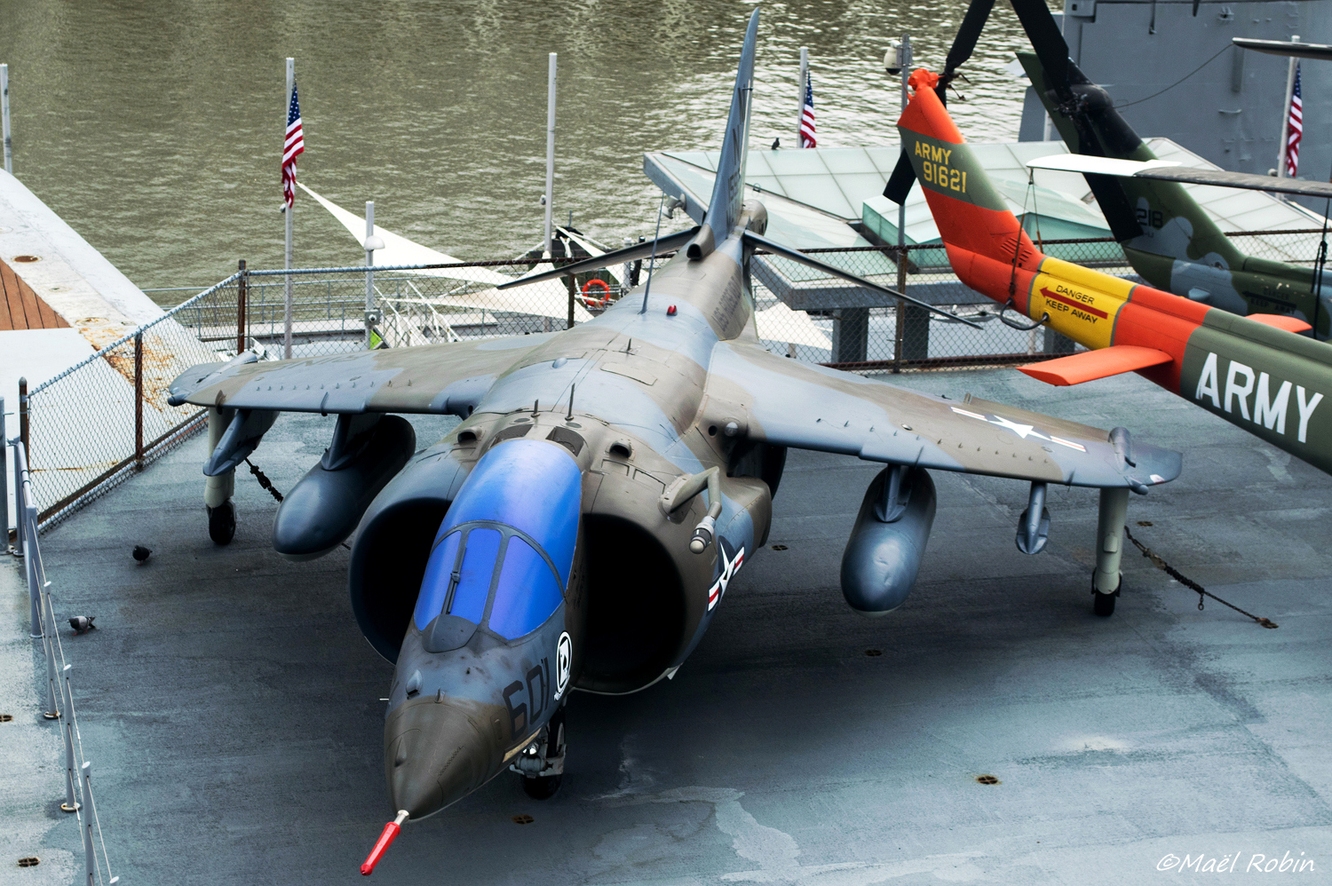 [USA - New York] USS Intrepid - Page 3 18052308402140660