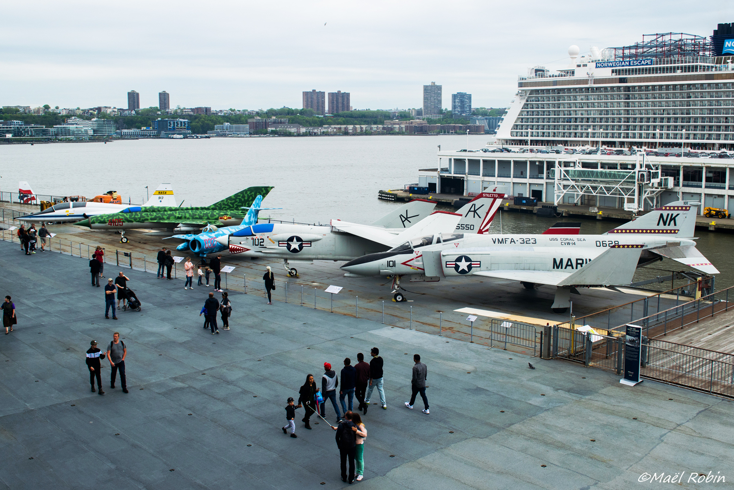 [USA - New York] USS Intrepid - Page 3 180523084052159216
