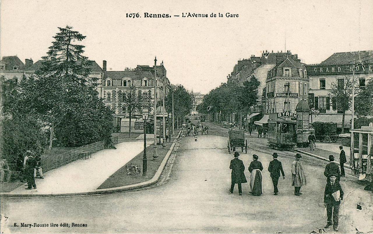 1280px-Mary-Rousselière_1076_-_RENNES_-_L'Avenue_de_la_Gare