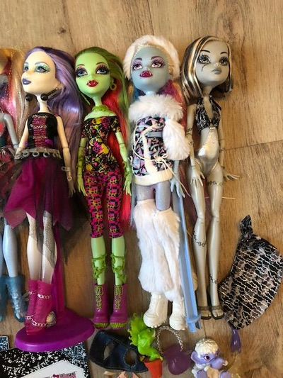 [V] Dal Ciel  90€ /  Lot 9 Monster High   BAISSE 180610023235408962