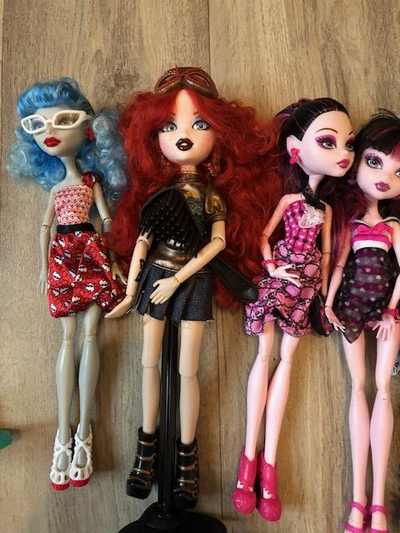 [V] Dal Ciel  90€ /  Lot 9 Monster High   BAISSE 180610023240418772