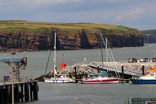 Mora Mora et Argo dans le port de Dunmore East