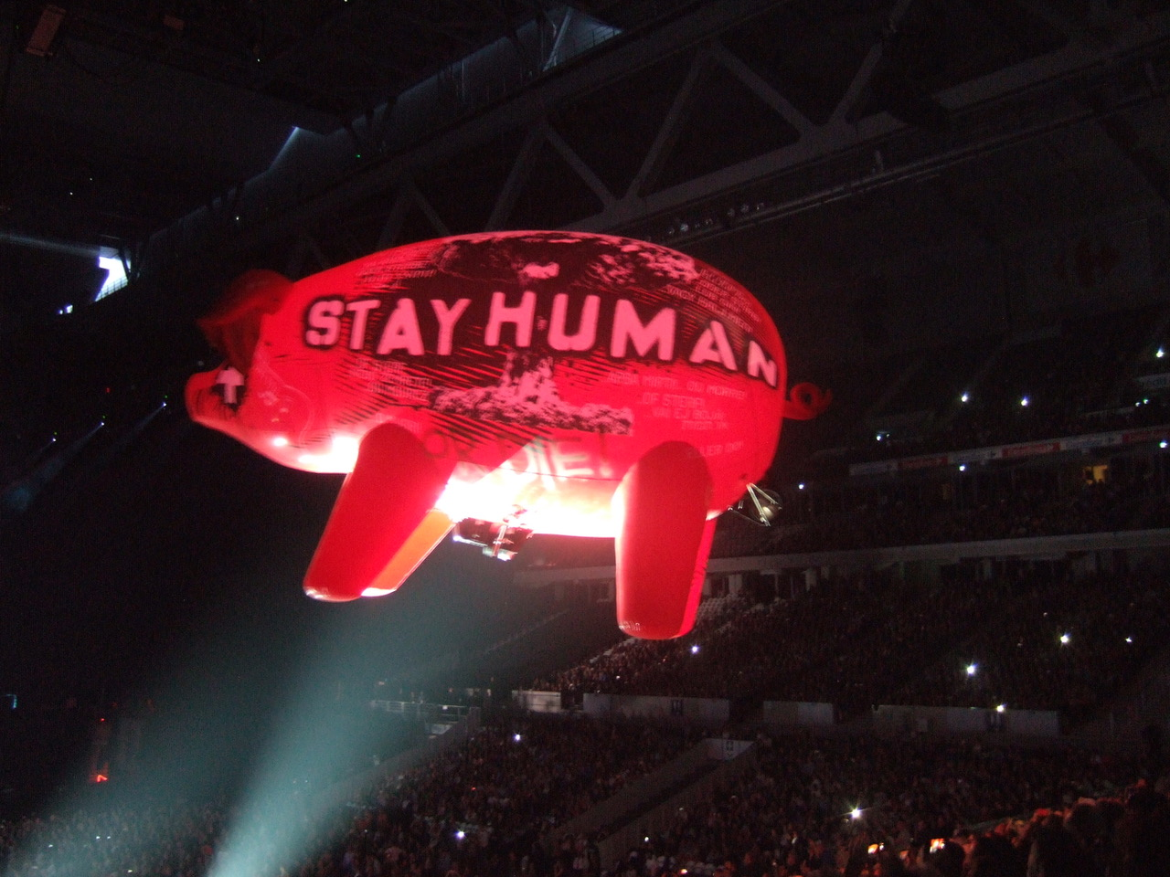 ROGER WATERS - Lille - Stade Pierre Mauroy - 16 juin 2018 - Page 8 180622083315938449